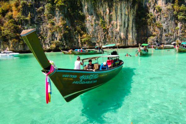 เกาะพีพี อ่าวมาหยา เรือเฟอร์รี่ ครุยเซอร์