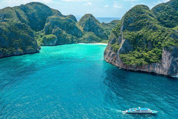 เกาะพีพี อ่าวมาหยา เรือเฟอร์รี่